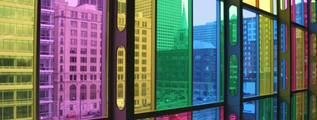 Тонировка окон разноцветными плёнками в Симферополе